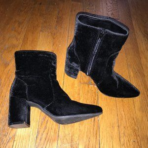 black velvet pointed toe heeled boot